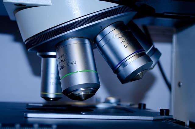 Partes ópticas del microscopio